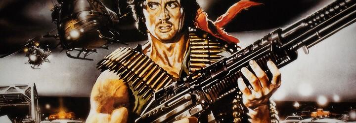 Krásná Sistine Stallone vzhled po svém otci Rambovi určitě nezdědila. Silvester Stallone se svou dcerou rozhodně může chlubit