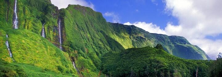 Nevieš, kam vycestovať za dobrodružstvom? Exotické Tuamotu či chladný Wales sú hitmi tohto roku