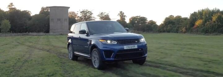 Jak se dokáže 550koňový Range Rover Sport SVR při akceleraci poprat s různými druhy povrchů?