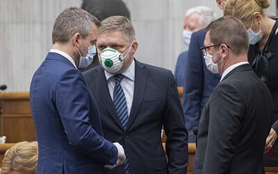 Vláda zakázala predaj respirátorov pre verejnosť. Ak predáš tie, ktoré máš v zásobe, môžeš dostať pokutu až 10-tisíc eur.
