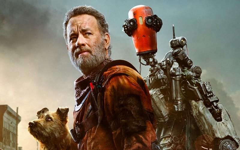 Tom Hanks si postavil roztomilého robota, který ho po apokalypse udrží při životě. Sleduj trailer na emotivní sci-fi drama Finch.