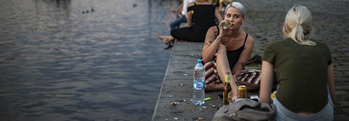 Koronavirus v Česku: Pandemie slábne, očkování je v plném proudu. V neděli přibylo jen 90 případů