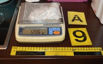 Policisté na Prachaticku zadrželi Satana. Obávaný drogový boss měl u sebe při zadržení samopal.