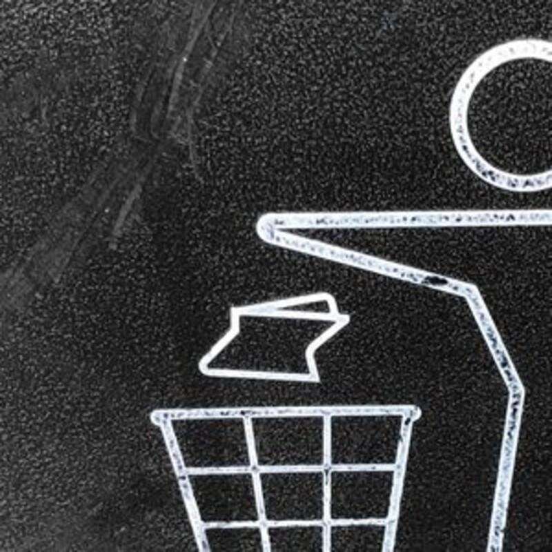 Koľko percent z toho odpadu na Slovensku zrecyklujeme?