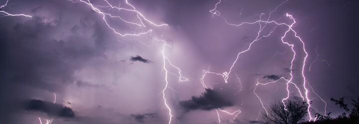 ČHMÚ zpřísňuje výstrahu: Na Česko se valí velmi silné bouře, hrozí povodně a vítr může dosahovat rychlosti až 90 km/h