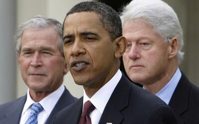 Obama, Bush a Clinton se nechají před kamerami očkovat proti koronaviru, aby dokázali, že je to bezpečné.