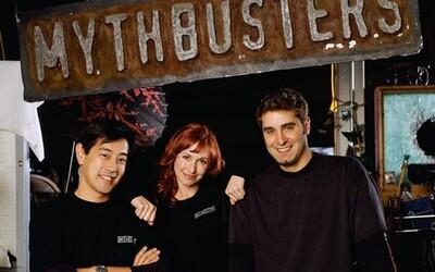 Moderátor legendárních Mythbusters zemřel ve věku 49 let. V televizní show budoval elektroniku i roboty.