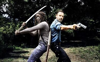 8. séria Walking Dead ukazuje vyše 5 minút nových záberov, čerstvé obrázky a časový skok