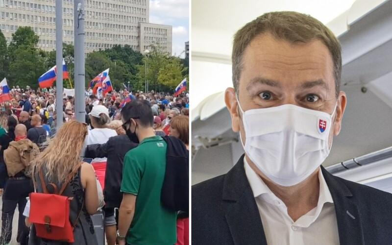 Nechceme Ameriku, sme Slovania a chceme žiť na Slovensku. V Bratislave prebiehal protest proti Matovičovej vláde.