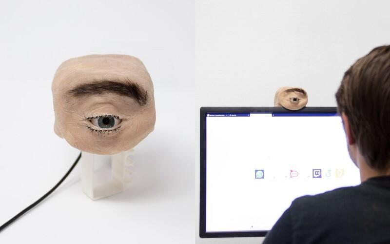 Nejbizarnější webkamera Eyecam má řasy, obočí a oko sledující okolí.