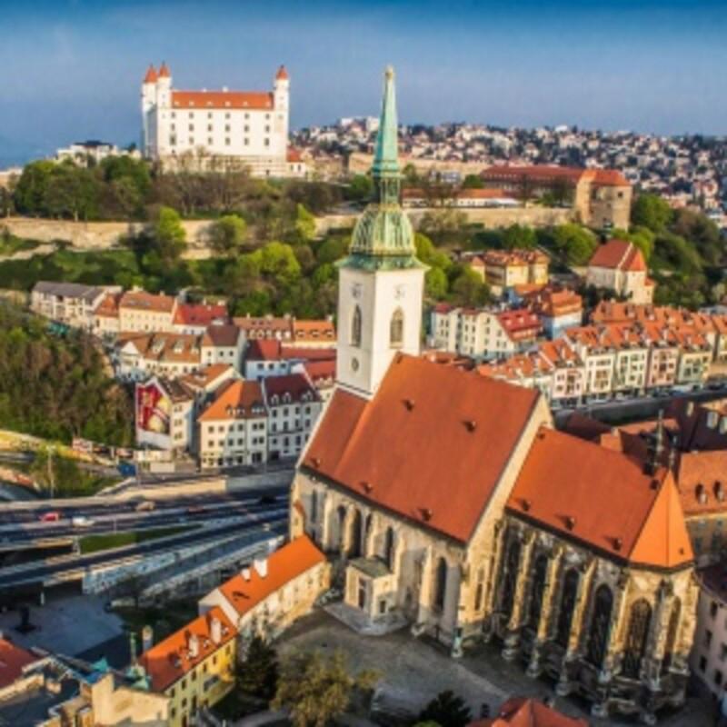 Na Slovensku sú iba 3 veľkomestá. (Veľkomesto je mesto nad 100 000 obyvateľov)