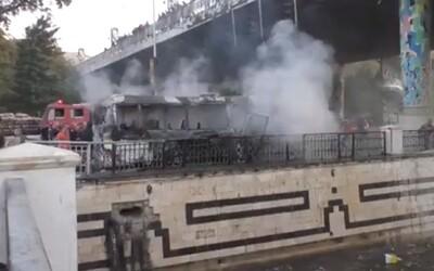 V Damašku vybuchl armádní autobus. Zemřelo 13 lidí.