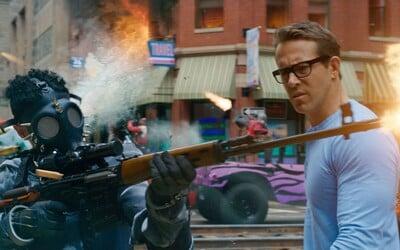 Ryan Reynolds zisťuje, že žije vo videohre. Akčný trailer pre komédiu Free Guy sľubuje GTA vo filme