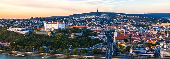 Koho voliť? Toto kandidáti v Bratislave ponúkajú mladým ľuďom