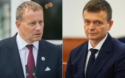 Boris Kollár sa stretol s Haščákom. Ich verzie dôvodu schôdzky sa líšia. Jeden tvrdí, že kvôli knihe, druhý, že kvôli článkom.