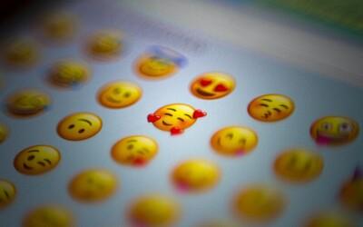 Príbeh emoji 📘 sa začal písať 📱 už v minulom tisícročí. 🕰 Tušíš, ako vznikli 🤔 a ako sa rozšírili 💥 do celého sveta? 🌍