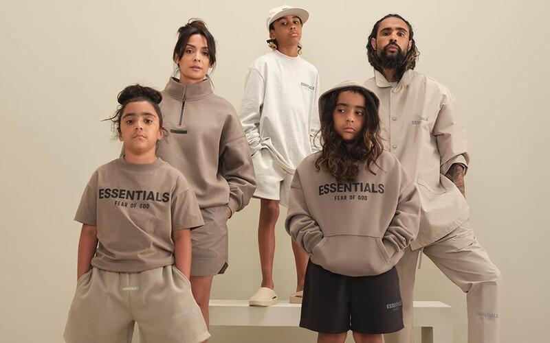 Jerry Lorenzo oblečie do novej kolekcie Fear of God ESSENTIALS celú tvoju rodinu.