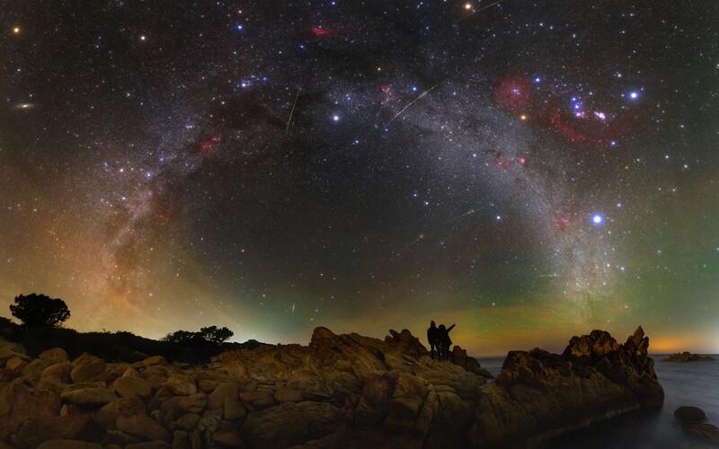 NASA vybrala ako Astronomickú fotografiu dňa APOD snímku od Slováka Tomáša Slovinského. Ide už o tretie Tomášové ocenenie z NASA v tomto roku. Fotografia vznikla na Sardínii.