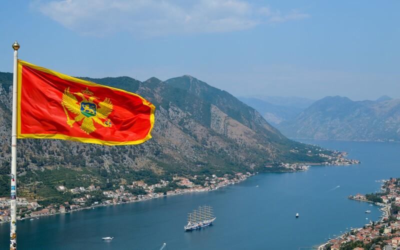 Češi, kteří se vrací z Černé hory nebo Srbska, musí mít test na Covid-19. Ministerstvo rozšířilo seznam rizikových zemí.