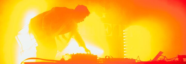 DJ Young Aesthete: Ak DJ nie je známy a nezahrá ani jeden známy banger, tak sa ľudia nedokážu baviť