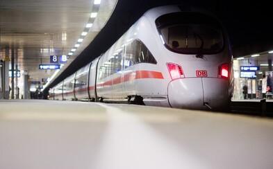 8-ročného chlapca a jeho matku hodil pod vlak neznámy muž