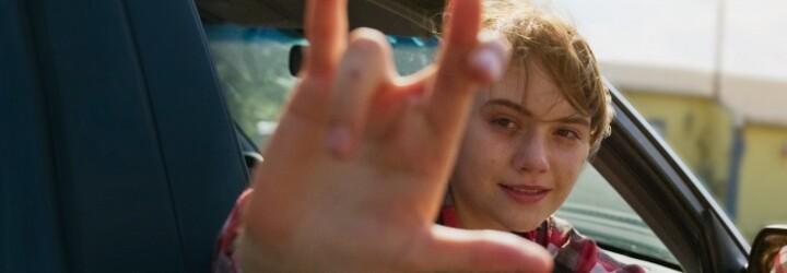 CODA je drama o teenagerce, která se musí starat o svou neslyšící rodinu. Zůstane navždy doma, nebo si splní svůj hudební sen?