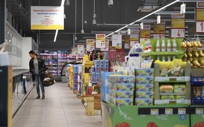Majú byť obchody v nedeľu zatvorené? 50 % Slovákov je proti, ak bude splnená jediná podmienka.