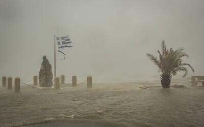 Grécko zasiahla búrka silná ako hurikán. Najviac postihla známe ostrovy Zakynthos či Kefalónia