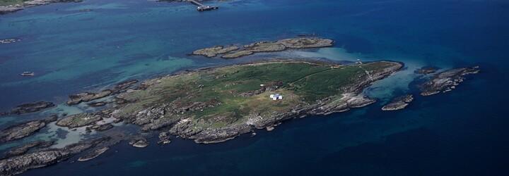 Soukromý ostrov v blízkém sousedství Paula McCartneyho je na prodej za 15 milionů korun