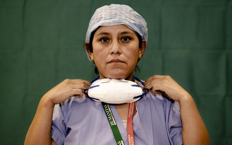 Více než 3 000 lékařů a zdravotníků zemřelo při péči o pacienty s koronavirem.