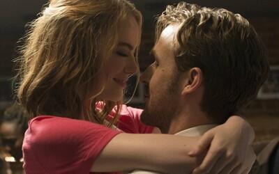 Ryan Gosling a Emma Stone hviezdia v ďalšom okúzľujúcom traileri pre nesmierne sľubný muzikál La La Land
