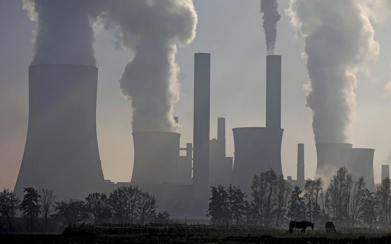 Uhelné elektrárny v Česku by měly skončit do roku 2038, vzkazuje uhelná komise vládě.