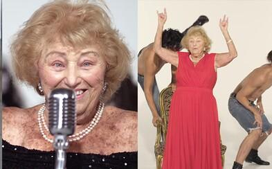 96-ročná babička prežila holokaust a bojovala proti nacistom. Dnes spieva v death metalovej kapele