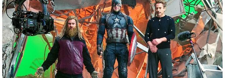 10 minút vystrihnutých scén z Avengers: Endgame ukazujú, ako Tony oholil Rocketa, záchranára Hulka či poklonu Stanovi Leemu