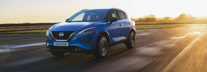 Zakladatel kompaktních crossoverů je zde ve 3. generaci. Nový Qashqai sází výhradně na hybridní pohon