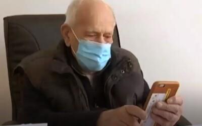 98-ročný doktor ordinuje aj cez koronakrízu. Odvážny starček je vraj najstarším lekárom vo Francúzsku