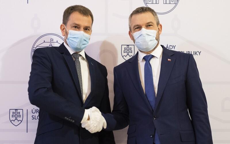 Peter Pellegrini: Demokratické zriadenie našej republiky si premiér mýli s diktátorským režimom. Expremiér Peter Pellegrini už niekoľko dní kritizuje súčasného predsedu vlády Igora Matoviča za to, že na Slovensku stále platí núdzová situácia.
