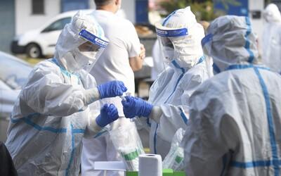 V Česku v piatok pribudlo takmer 3 000 nových prípadov koronavírusu. Ide o druhý najvyšší počet od začiatku pandémie.