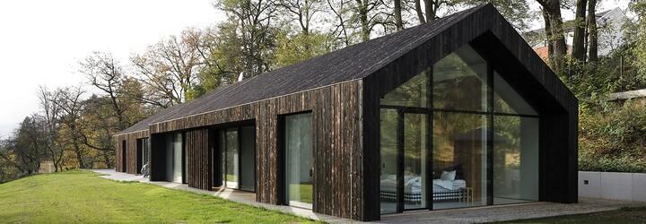 Skandinávie v blízkosti Prahy. Domácí architekti navrhli bydlení jako vystřižené ze švédské přírody