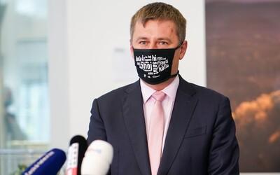 Ministr zahraničí Tomáš Petříček má koronavirus.