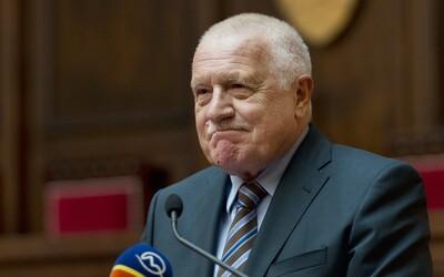 Klaus: Česko štěká jako ratlík na pořádného psa, naše bezpečnostní služby jsou legrační.
