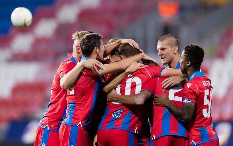 Plzeň i Liberec postupují dál v play-off o Evropskou ligu, Slavia domácí výhodu nevyužila.