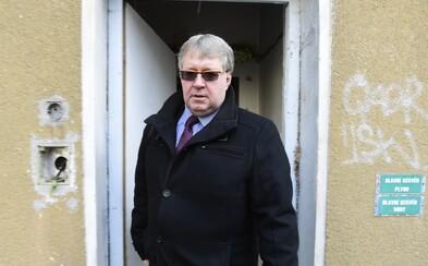 Jak se staví české politické strany k exekucím a dluhové pasti? Zeptali jsme se jich