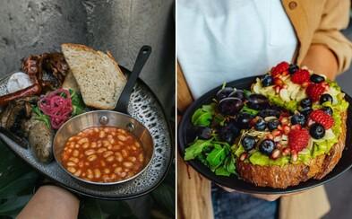 Raňajky ako z Instagramu aj víno o deviatej ráno. Toto je 11 najlepších raňajkární v Bratislave