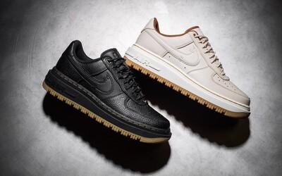 Toto je 10 nejlepších párů obuvi v podzimních barvách. Nechybí luxusní Nike Air Force 1 ani Yeezy Desert Boots