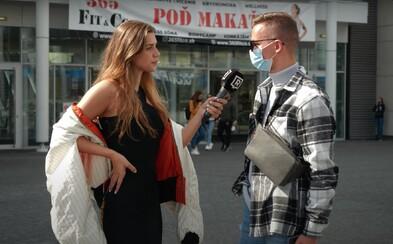 VIDEO: 10/10 za elegantné šaty a tenisky. Viky nechala ľudí v uliciach hodnotiť jej outfity