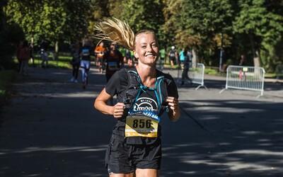 Výhody běhu: Kromě toho, že si zvýšíš kondičku, budeš vypadat i mladší a můžeš pomoci dobré věci