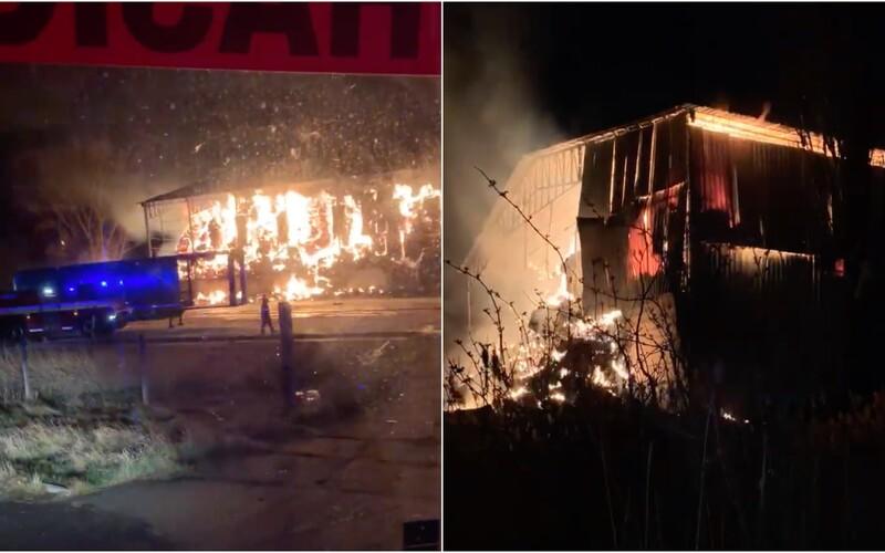 Video zachytáva hrôzostrašný požiar pri Malackách, s ktorým už 13 hodín bojujú hasiči. Škodu odhadujú na 200 000 €.