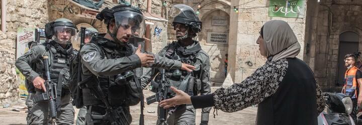 Raketové útoky, dvě desítky mrtvých a stovky raněných. Násilí mezi Izraelem a Palestinou opět eskaluje