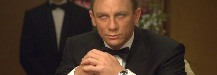 Daniel Craig se stal čestným členem Britského královského námořnictva. Má tak stejnou hodnost jako Bond